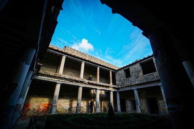 У Помпеях відкрили для туристів три унікальні будинки - фото 387554