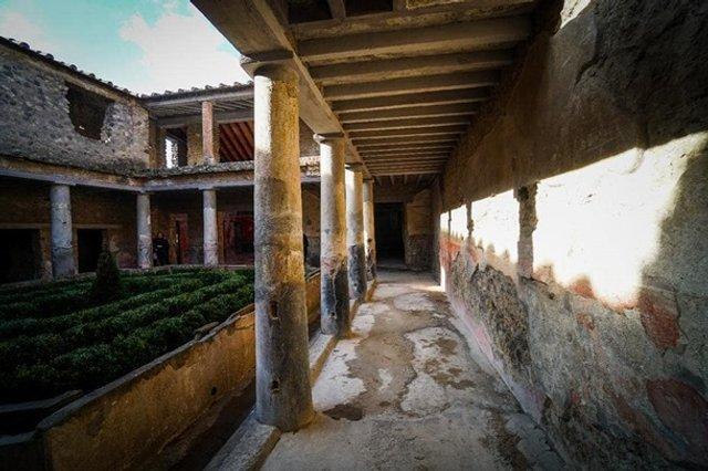 У Помпеях відкрили для туристів три унікальні будинки - фото 387559