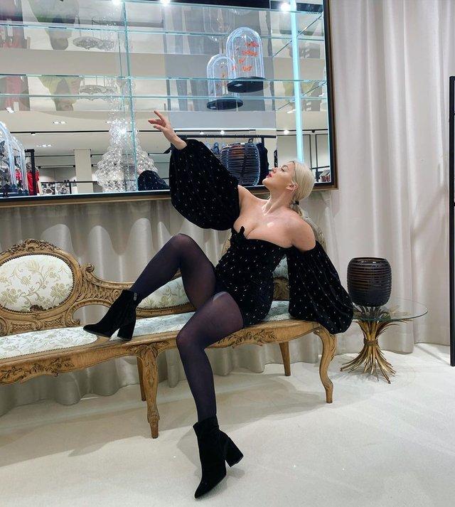 Олена Філонова у сукні обурила користувачів мережі - фото 387616