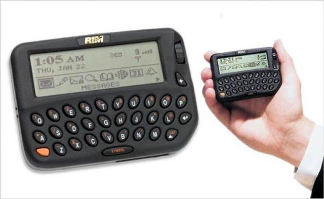 Історія успіху компанії BlackBerry: найцікавіше про виробника легендарних телефонів - фото 387797