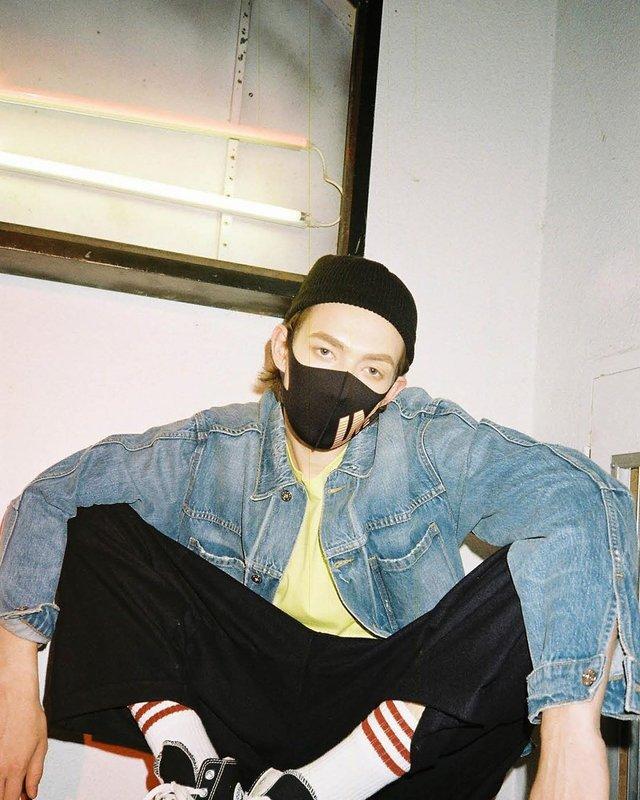Як коронавірус впливає на моду: захисні маски для обличчя стали стильним трендом - фото 387911