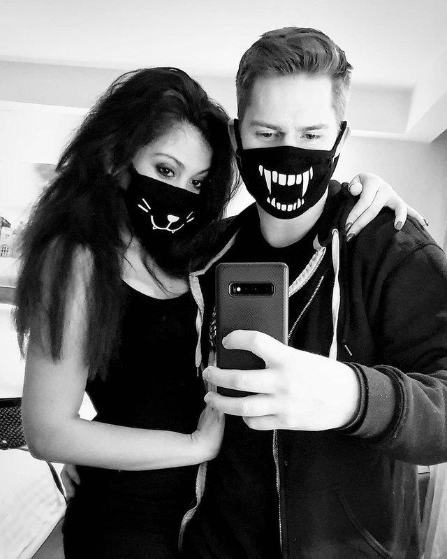Як коронавірус впливає на моду: захисні маски для обличчя стали стильним трендом - фото 387919