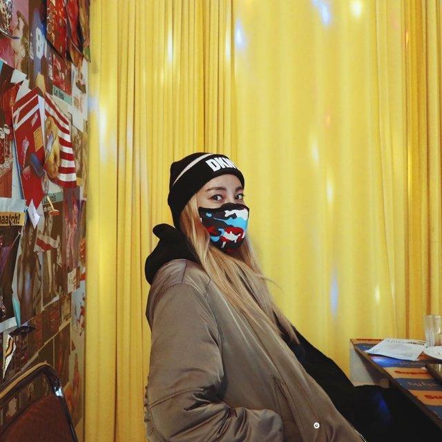 Як коронавірус впливає на моду: захисні маски для обличчя стали стильним трендом - фото 387921