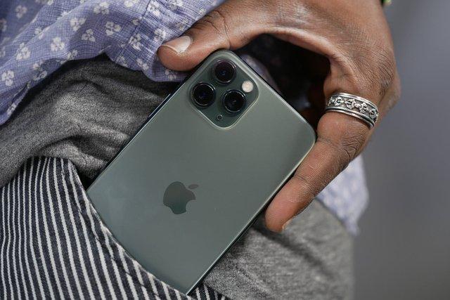 Залежність від смартфона викликає зміни у головному мозку - фото 388126