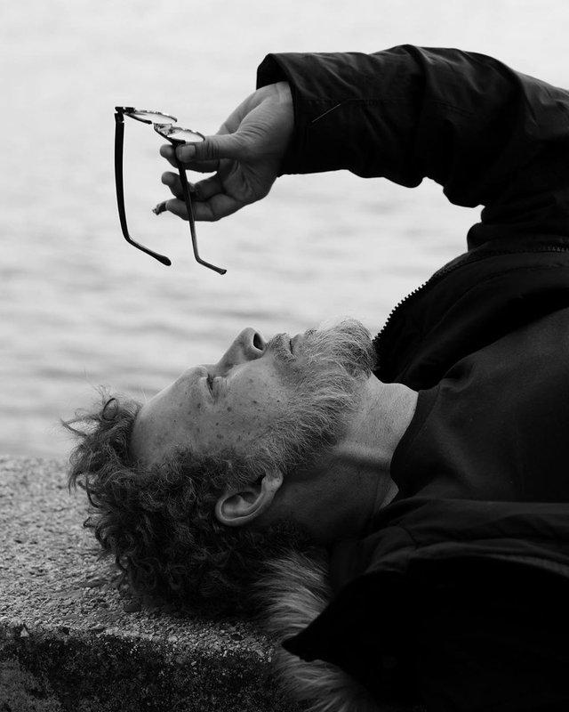 Щирий і беззахисний: Джонні Депп знявся у незвичній фотосесії - фото 388162