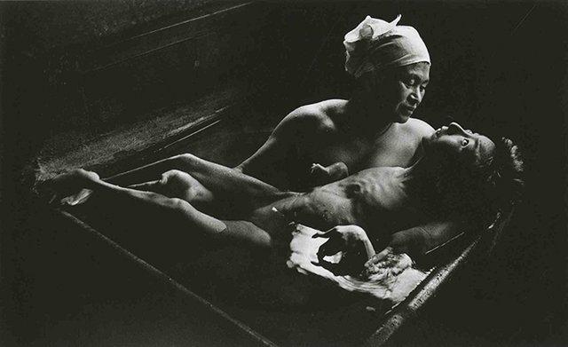 Щирий і беззахисний: Джонні Депп знявся у незвичній фотосесії - фото 388163