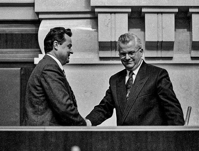 Який вигляд мали українські політики в 90-х: раритетні фото - фото 388276