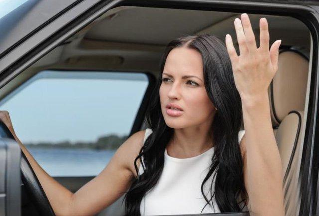 Жінки частіше зляться за кермом, ніж чоловіки: цікаве дослідження - фото 388379