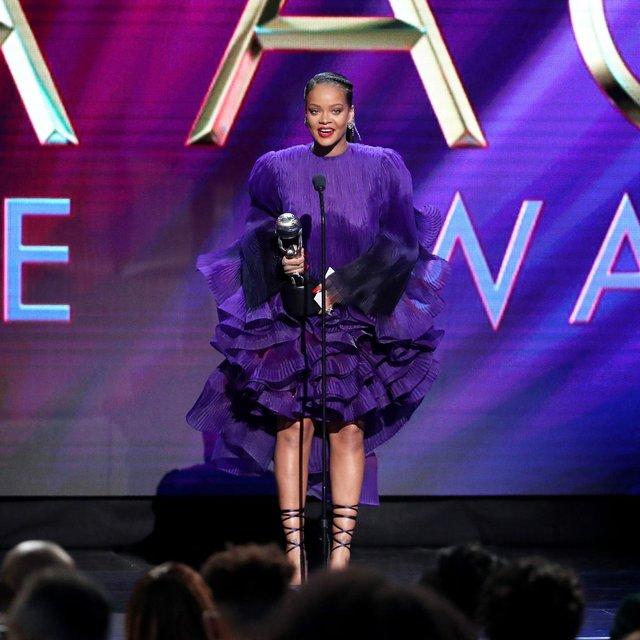 Rihanna - фото 388400