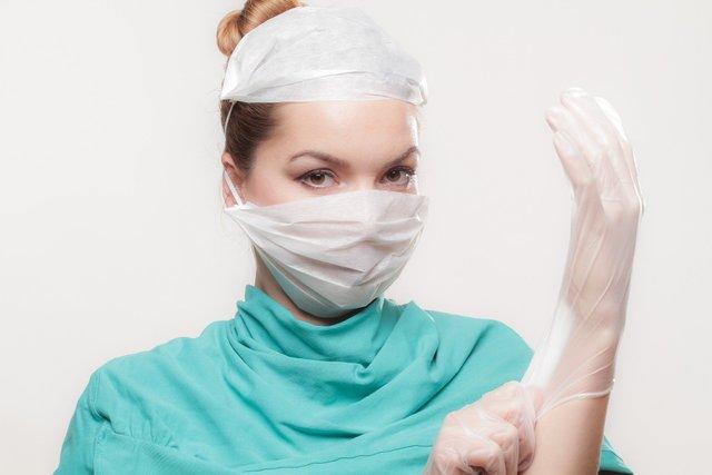 Медична маска: чи захищає від хвороб і як правильно використовувати - фото 388566