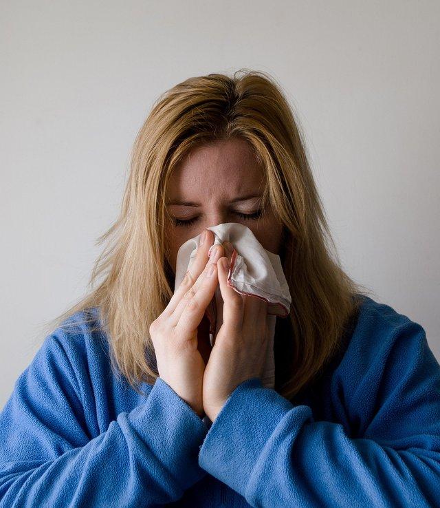 Медична маска: чи захищає від хвороб і як правильно використовувати - фото 388568