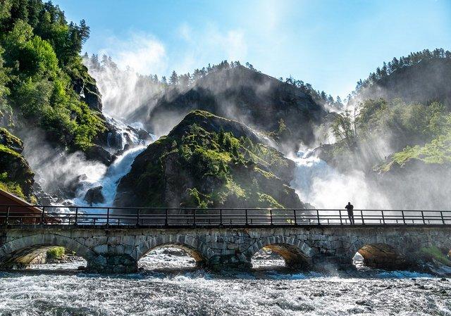 Яскраві фото Норвегії, які надихають на мандри - фото 388587