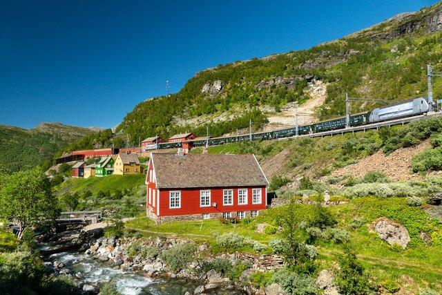 Яскраві фото Норвегії, які надихають на мандри - фото 388594