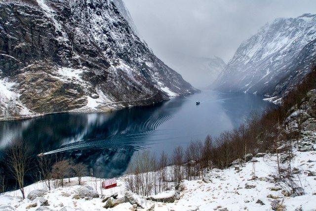 Яскраві фото Норвегії, які надихають на мандри - фото 388599