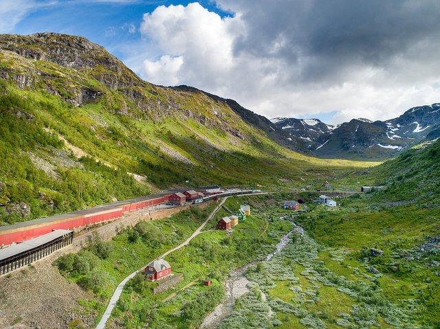 Яскраві фото Норвегії, які надихають на мандри - фото 388603