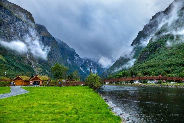 Яскраві фото Норвегії, які надихають на мандри - фото 388606