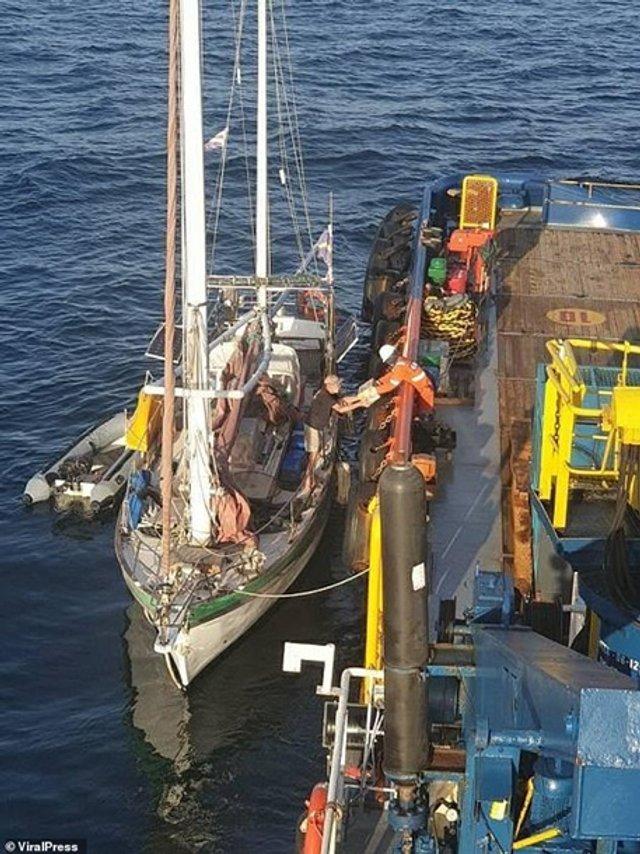 Турист провів у відкритому морі три доби - фото 388829