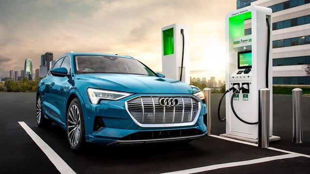 Зарядка Audi e-tron обійдеться дорожче, ніж заправка Q7 - фото 388887