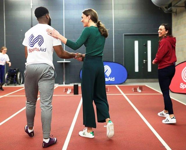 Кейт Міддлтон позмагалася з атлетами у бігу - фото 388896