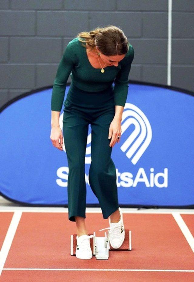 Кейт Міддлтон позмагалася з атлетами у бігу - фото 388898