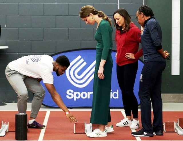 Кейт Міддлтон позмагалася з атлетами у бігу - фото 388899