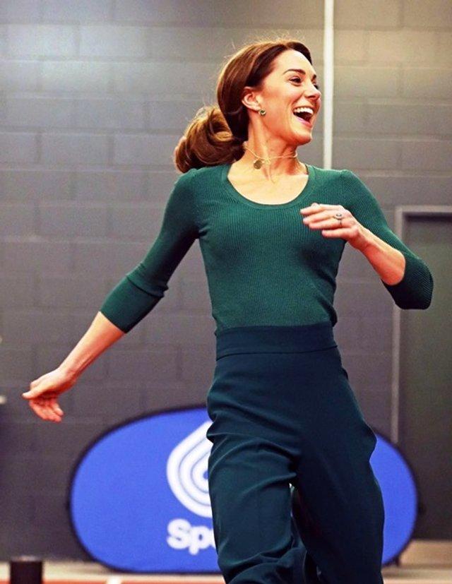 Кейт Міддлтон позмагалася з атлетами у бігу - фото 388901