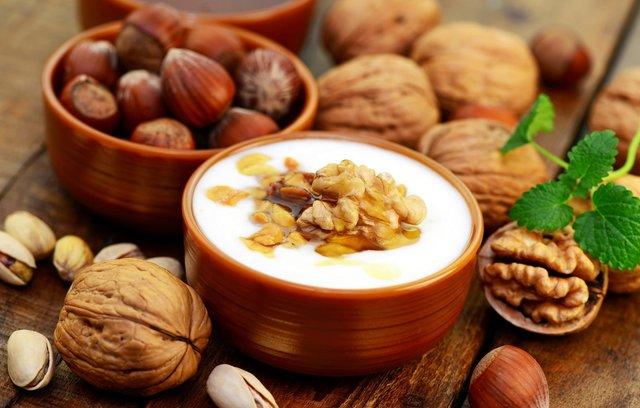 Можете з'їсти трішки грецького йогурту - фото 389145