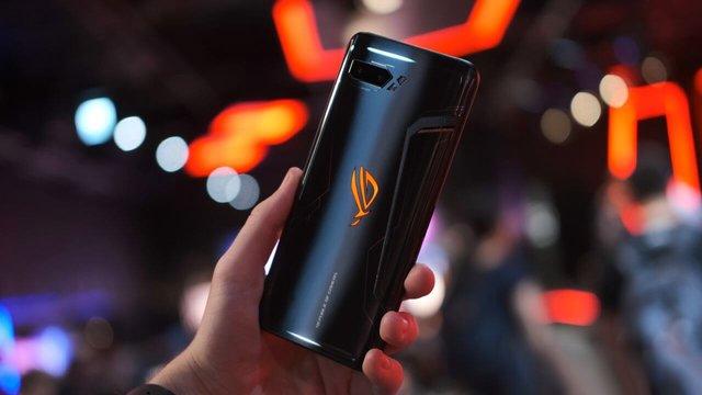 ASUS ROG Phone II вражає своїм крутим екраном - фото 389463