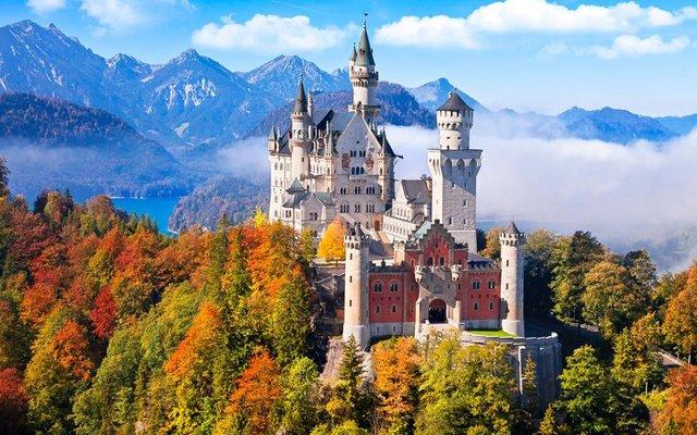 Так виглядають три найкрасивіших замки Європи - фото 389823