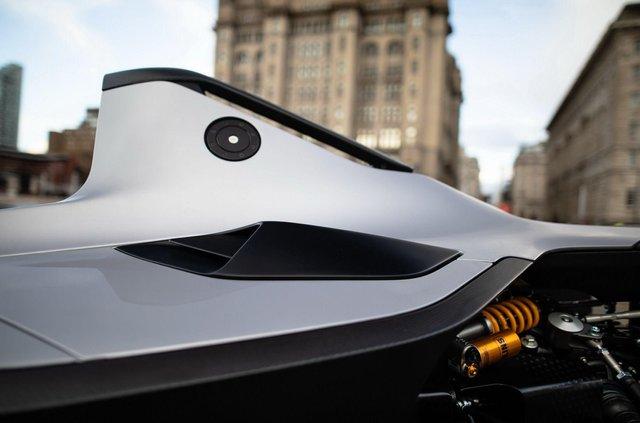 Британці створили крутий суперкар, який важить усього 570 кілограмів - фото 390140