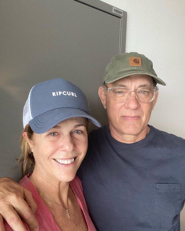 Том Хенкс і його дружила виписалися з лікарні після лікування коронавірусу - фото 392626