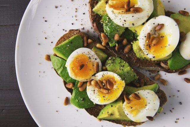 Авокадо корисно їсти не лише на дієті - фото 392930