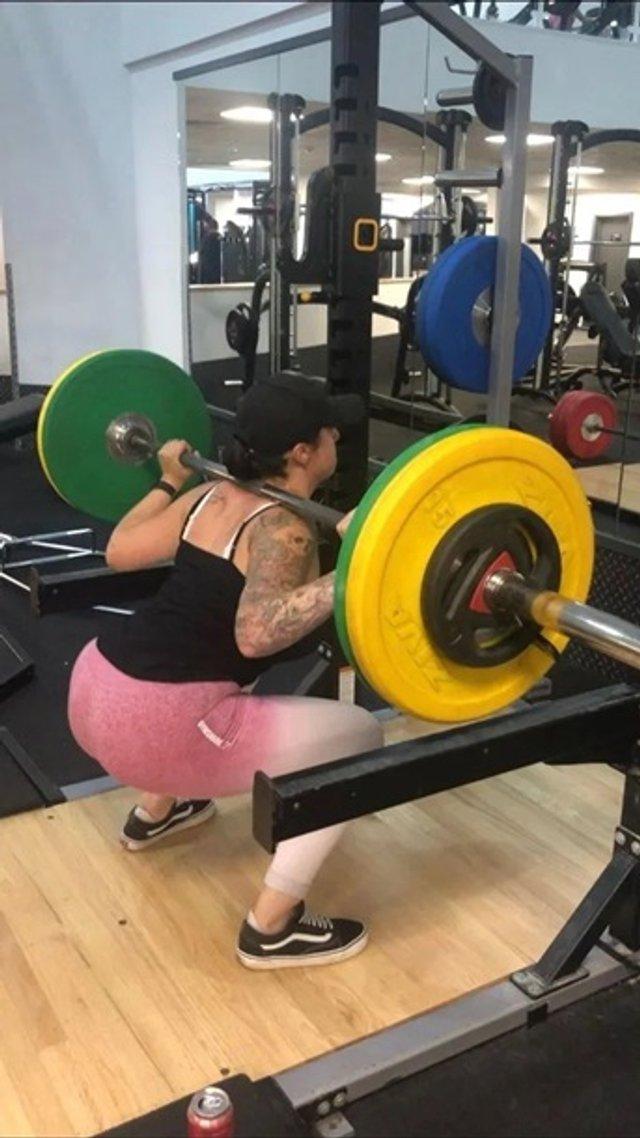 Британка схудла на 30 кг через скасоване побачення: фото до і після - фото 393789