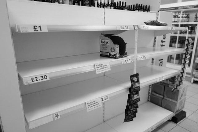 Журналісти створили архів знімків про життя під час пандемії - фото 393903