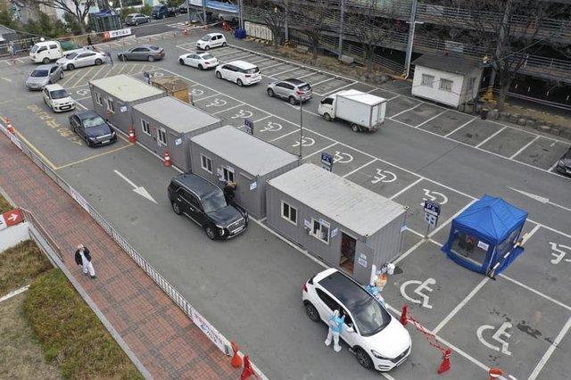 Corona Drive In: у Швейцарії з'явилися кіоски з експрес-тестами на COVID-19 - фото 394047