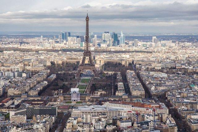 У Парижі повітря стало чистішим вперше за 40 років - фото 394122
