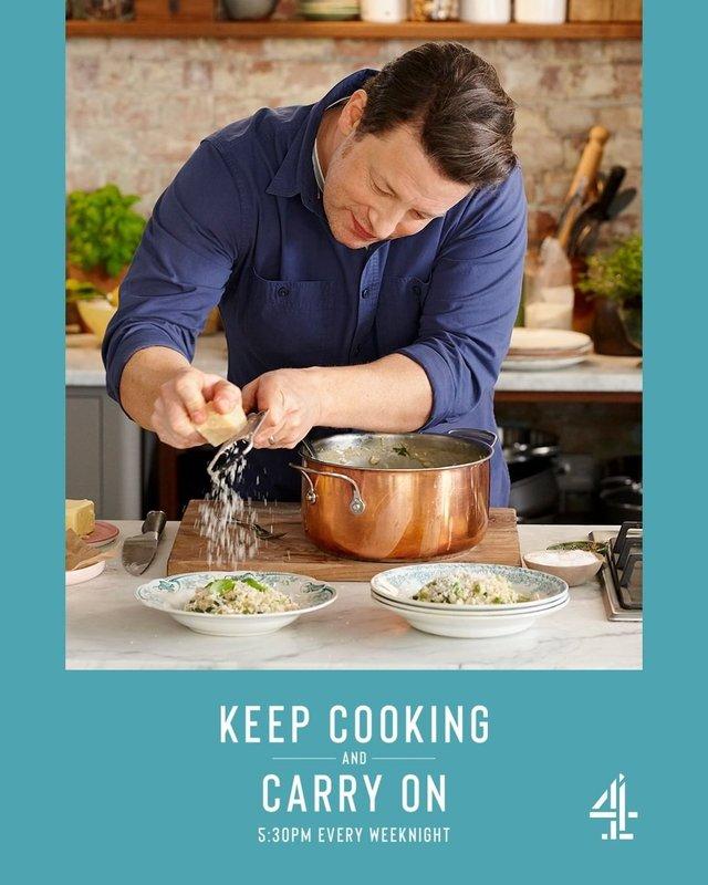 Готуй і живи далі: Джеймі Олівер запустив кулінарне шоу - фото 394141