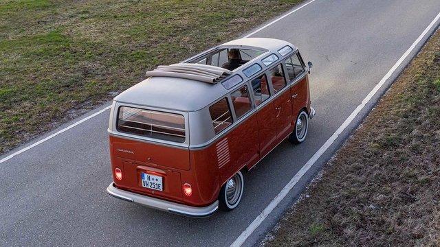 Volkswagen перетворила культовий мікроавтобус 60-х на електрокар - фото 394150