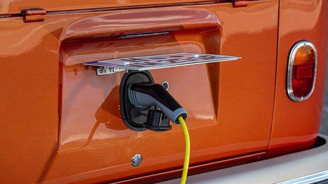 Volkswagen перетворила культовий мікроавтобус 60-х на електрокар - фото 394152