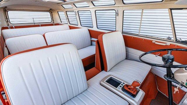 Volkswagen перетворила культовий мікроавтобус 60-х на електрокар - фото 394154