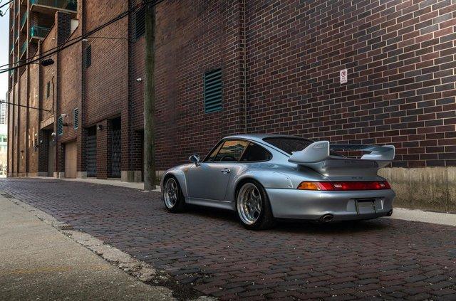 Рідкісний Porsche 911 GT2 виставили на продаж за мільйон доларів - фото 394587