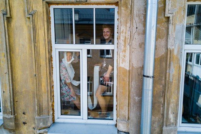 Литовський фотограф показав, як люди переживають карантин: знімки з дрона - фото 394860
