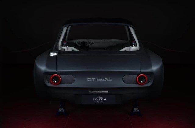 Класичну Alfa Romeo Giulia перетворять на карбоновий суперкар - фото 395143