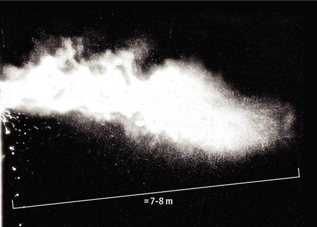 Наскільки далеко розлітаються мікроби при чханні: актуальне дослідження - фото 395592