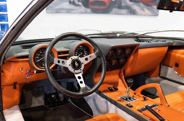З молотка пустять легендарний Lamborghini Miura SV з найменшим пробігом - фото 395614