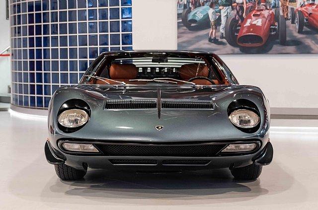 З молотка пустять легендарний Lamborghini Miura SV з найменшим пробігом - фото 395617