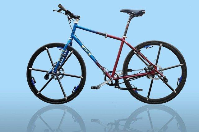 Винайдено велосипед зі складними колесами: відео - фото 395648