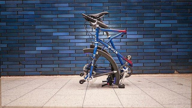 Винайдено велосипед зі складними колесами: відео - фото 395649