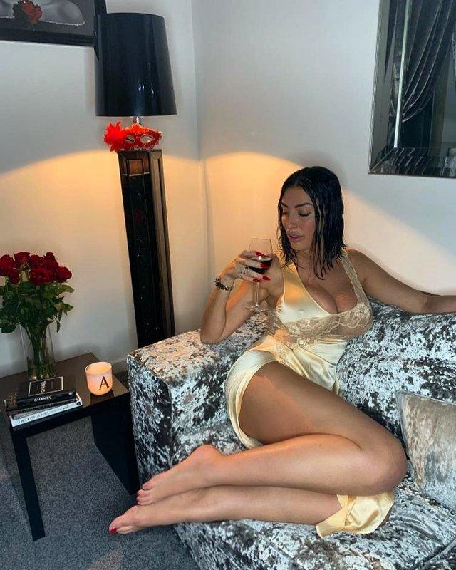 Британська порнозірка розкрила секрет своєї популярності (18+) - фото 395730