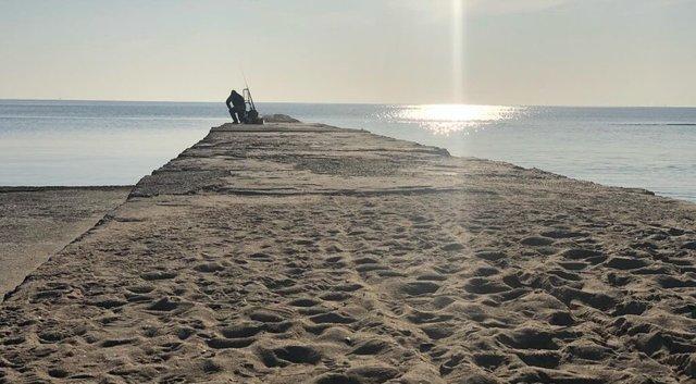 Як виглядають пляжі Одеси під час карантину - фото 395825